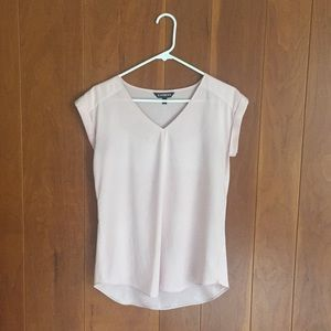 Express light pink v neck top